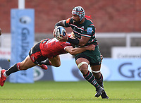 30th August 2020; Kingsholm Stadium, Gloucester, Gloucestershire, England; English Premiership Rugby, Gloucester versus Leicester Tigers; Billy Twelvetrees of Gloucester tackles Jordan Taufua of Leicester Tigers