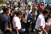 Hechmi Hamdi, le fondateur du Courant Al Mahabba, a présenté ce jeudi 08 août 2019, son dossier de candidature à la présidentielle, au siège de l'Instance Supérieure Indépendante pour les Élections aux Berges du Lac.<br /> <br /> PHOTO : Agence Quebec Presse - jdidi wassim