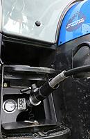 Germany, New Holland Tractor powered by BioMethan gas CNG / DEUTSCHLAND, Damnatz im Wendland, Hof und Biogasanlage von Horst Seide, neuer New Holland Traktor T6.180 mit Methanpower mit Gasmotor und Biomethan bzw. CNG Gas Antrieb im Test, Betankung