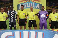 BOGOTÁ - COLOMBIA, 15-09-2018:Edilson Ariza referee central. Acción de juego entre los equipos Independiente Santa Fe y el Boyacá Chicó durante partido por la fecha 10 de la Liga Águila II 2018 jugado en el estadio Nemesio Camacho El Campín de la ciudad de Bogotá. / Central referee Edilson Ariza.Action game between Independiente Santa Fe and  Boyaca Chico during the match for the date 10 of the Liga Aguila II 2018 played at the Nemesio Camacho El Campin Stadium in Bogota city. Photo: VizzorImage / Felipe Caicedo / Staff.