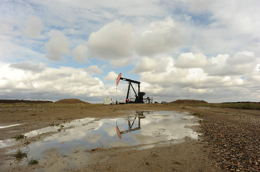 A pump jack south of Frobisher, Sask., near the U.S. border. MARK TAYLOR FOR THE TORONTO STAR