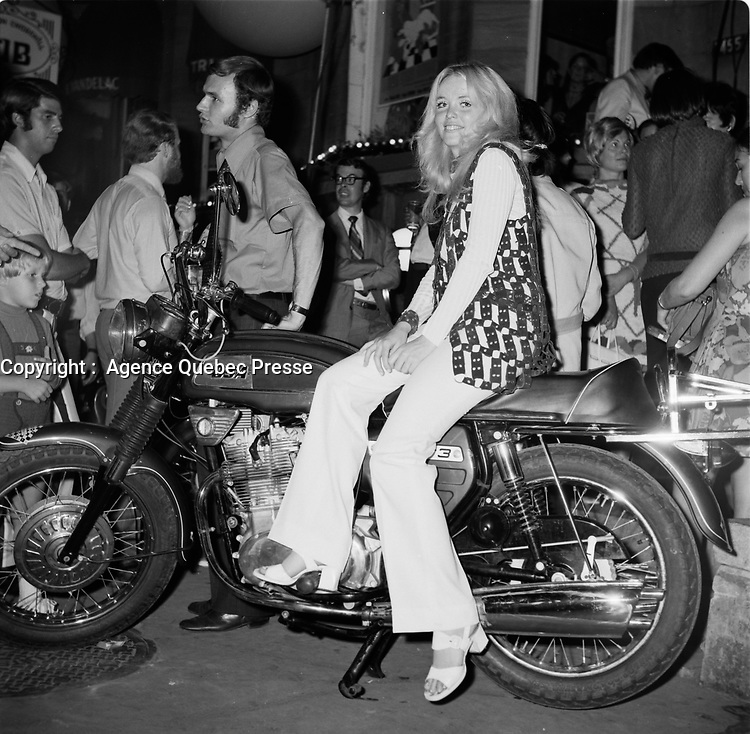 le film erotique Viens mon amour<br /> en 1970.<br /> <br /> Photo : Agence Quebec Presse - Roland Lachance