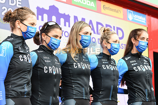 Cronos-Casa Dorada Women Cycling at sign on before the start of Stage 3 of the CERATIZIT Challenge by La Vuelta 2020, running 98.6km around the streets of Madrid, Spain. 8th November 2020.<br /> Picture: Antonio Baixauli López/BaixauliStudio | Cyclefile<br /> <br /> All photos usage must carry mandatory copyright credit (© Cyclefile | Antonio Baixauli López/BaixauliStudio)
