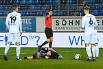 Schiedsrichter zeigt auf den Elfmeterpunkt beim Spiel in der 3. Liga, SV Waldhof Mannheim - SC Verl.<br /> <br /> Foto © PIX-Sportfotos *** Foto ist honorarpflichtig! *** Auf Anfrage in hoeherer Qualitaet/Aufloesung. Belegexemplar erbeten. Veroeffentlichung ausschliesslich fuer journalistisch-publizistische Zwecke. For editorial use only. DFL regulations prohibit any use of photographs as image sequences and/or quasi-video.