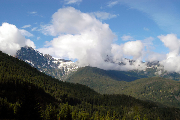 At the Brink! American Alps, North Cascades Mountain Landscape Photo. Marc Caryl Nature and Landscape Photos.