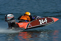 24-F    (Runabout)
