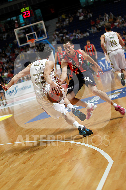 Real Madrid´s Llull and  Caja Laboral´s Thomas Heurtel during La Liga ACB Playoffs match Madrid 2012/May/24..(ALTERPHOTOS/ARNEDO)