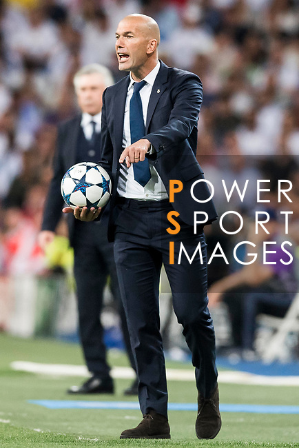 Coach Zinedine Zidane of Real Madrid gestures during their 2016-17 UEFA Champions League Quarter-finals second leg match between Real Madrid and FC Bayern Munich at the Estadio Santiago Bernabeu on 18 April 2017 in Madrid, Spain. Photo by Diego Gonzalez Souto / Power Sport Images