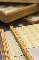 Europe/France/Provence-Alpes-Côte d'Azur/Alpes-Maritimes/Nice:  Fabrication des pâtes: Raviolis à la Maison Quirino  // Europe, France, Provence-Alpes-Côte d'Azur, Alpes-Maritimes, Nice:  Quirino, This place, representative of traditional Niçois craftsmanship, is classic for Niçois-style raviolis, fresh pastas , Raviolis