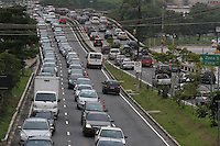 SÃO PAULO, SP, 30/01/2012, TRANSITO RADIAL LESTE.<br /> <br /> Muito transito na Av. Alcantara Machado, também conhecida como Radial Leste, na manhã de hoje (30).<br /> <br /> Luiz Guarnieri/ News Free