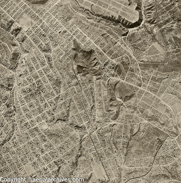 historical aerial photograph Tijuana, Baja, Mexico, 1962 | fotografía aérea histórica Tijuana, Baja, México, 1962