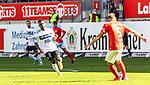 Joseph Boyamba versucht Kevin Kraus (rot) Druck zu machen beim Spiel in der 3. Liga, 1. FC Kaiserslautern - SV Waldhof Mannheim.<br /> <br /> Foto © PIX-Sportfotos *** Foto ist honorarpflichtig! *** Auf Anfrage in hoeherer Qualitaet/Aufloesung. Belegexemplar erbeten. Veroeffentlichung ausschliesslich fuer journalistisch-publizistische Zwecke. For editorial use only. DFL regulations prohibit any use of photographs as image sequences and/or quasi-video.