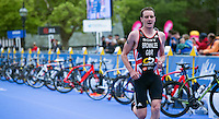 31 MAY 2015 - LONDON, GBR - Alistair Brownlee (GBR) from Great Britain establishes a lead over the front pack during the run at the elite men's 2015 ITU World Triathlon Series round in Hyde Park, London, Great Britain (PHOTO COPYRIGHT © 2015 NIGEL FARROW, ALL RIGHTS RESERVED)