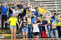 NEIVA - COLOMBIA, 19-08-2018: Hinchas del Huila animan a su equipo durante el partido entre Atlético Huila y Once Caldas por la fecha 5 de la Liga Águila II 2018 jugado en el estadio Guillermo Plazas Alcid de la ciudad de Neiva. / Fans of Huila cheer for their team during the match between Atletico Huila and Once Caldas for the date 5 of the Aguila League II 2018 played at Guillermo Plazas Alcid in Neiva city. VizzorImage / Sergio Reyes / Cont