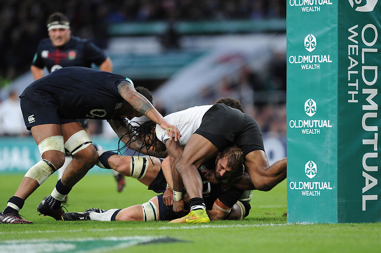 Chris Robshaw of England is stopped just short of the line during the Old Mutual Wealth Series match between England and Fiji at Twickenham Stadium on Saturday 19th November 2016 (Photo by Rob Munro)