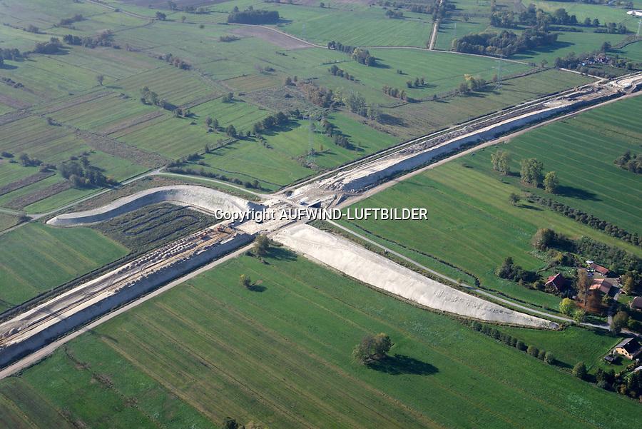 Autobahnbaustelle A26 bei Rübke: EUROPA, DEUTSCHLAND, NIEDERSACHSEN, NEU WULMSTORF (EUROPE, GERMANY), 19.10.2018: Autobahnbaustelle A26 Rübke