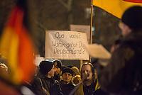 """Etwa 300 Anhaenger des Berliner Ablegers rechten Pegida-Bewegung, Baergida, versammelten sich am Montag den 19. Januar 2015 in Berlin zu einer Mini-Demonstration gegen eine angebliche Islamisierung Deutschlands.<br /> Unter den Anhaengern von Baergida waren zum wiederholten Mal militante Neonazis, Mitglieder der NPD und Hooligans sowie Mitglieder der Rechtsparteien AfD und Pro Deutschland und der rechtsradikalen German Defense League. Teilnehmer der Veranstaltung bruellten wie in der Wochen zuvor """"Wir sind das Volk"""" und """"Luegenpresse, auf die Fresse"""" und hielten Schilder mit der Aufschrift """"Je suis Charlie"""" und islamfeindlichen Parolen.<br /> 19.1.2015, Berlin<br /> Copyright: Christian-Ditsch.de<br /> [Inhaltsveraendernde Manipulation des Fotos nur nach ausdruecklicher Genehmigung des Fotografen. Vereinbarungen ueber Abtretung von Persoenlichkeitsrechten/Model Release der abgebildeten Person/Personen liegen nicht vor. NO MODEL RELEASE! Nur fuer Redaktionelle Zwecke. Don't publish without copyright Christian-Ditsch.de, Veroeffentlichung nur mit Fotografennennung, sowie gegen Honorar, MwSt. und Beleg. Konto: I N G - D i B a, IBAN DE58500105175400192269, BIC INGDDEFFXXX, Kontakt: post@christian-ditsch.de<br /> Bei der Bearbeitung der Dateiinformationen darf die Urheberkennzeichnung in den EXIF- und  IPTC-Daten nicht entfernt werden, diese sind in digitalen Medien nach §95c UrhG rechtlich geschuetzt. Der Urhebervermerk wird gemaess §13 UrhG verlangt.]"""