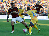 Calcio, Serie A: Frosinone vs Roma. Frosinone, stadio Comunale, 12 settembre 2015.<br /> Roma's Kostas Manolas, left, is challenged by Frosinone's Raman Chibsah during the Italian Serie A football match between Frosinone and Roma at Frosinone Comunale stadium, 12 September 2015.<br /> UPDATE IMAGES PRESS/Riccardo De Luca