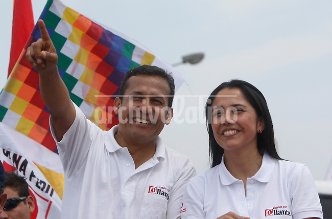 Presidential candidate Ollanta Humala with his wife in campaign in Lima, Peru, Sunday, March 27, 2011.