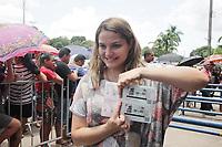 MANAUS, AM, 03.04.2019: SHOW-MANAUS. Audreany Fink, vice-presidente do fanclube Semideusas, chegou ao local às 13h de ontem pra ser a primeira da fila. Venda de ingressos para o show Sandy & Junior no dia 13 de setembro em Manaus, demora mais de duas horas pra começar a ser vendidos, na manhã desta quarta-feira (3), na Arena Poliesportica Amadeu Teixeira, na rua loris cordovil, bairro flores, zona centro-oeste da capital.<br /> Foto: Sandro Pereira/Codigo19