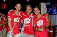 SAO PAULO, SP, 19 DE FEVEREIRO 2012 - CAMAROTE BAR BRAHMA - Os jornalistas esportivos Bruno Lawrence (E), Mauro Naves(C) e Ivan More(D), sao vistos no Camarote Bar Brahma, no primeiro dia de desfiles do Grupo Especial do Carnaval de Sao Paulo, na madrugada deste domingo 19, no Sambodromo do Anhembi regiao norte da capital paulista. (FOTO: MILENE CARDOSO - BRAZIL PHOTO PRESS).