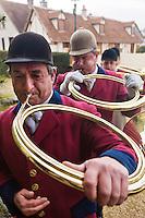 Europe/France/Centre/41/Loir-et-Cher/Sologne/Bauzy: Messe de la Saint-Hubert avec bénédiction des chiens - Equipage de Chasse à Courre: Equipage dela Forêt des Loges _ Sonneurs de trompe<br /> AUTO N° 2012-450<br /> AUTO N° 2012-451<br /> Europe/France/Centre/41/Loir-et-Cher/Sologne/Bauzy: Mass of Saint Hubert before riding to hound<br /> AUTO N° 2012-450<br /> AUTO N° 2012-451