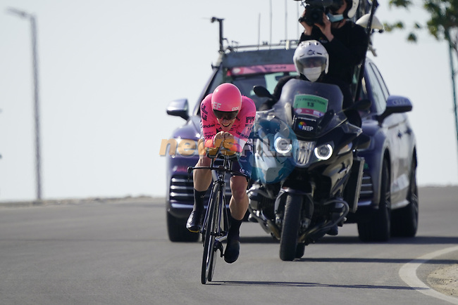 Lawson G Craddock (USA) EF Education First during Stage 2 of the 2021 UAE Tour an individual time trial running 13km around  Al Hudayriyat Island, Abu Dhabi, UAE. 22nd February 2021.  <br /> Picture: Eoin Clarke | Cyclefile<br /> <br /> All photos usage must carry mandatory copyright credit (© Cyclefile | Eoin Clarke)