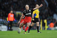 Charlie Hodgson of Saracens takes a kick during the Premiership Rugby match between Saracens and Worcester Warriors - 28/11/2015 - Twickenham Stadium, London<br /> Mandatory Credit: Rob Munro/Stewart Communications