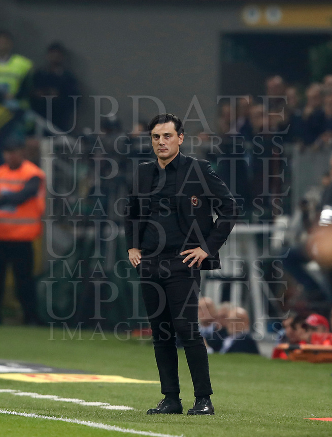 Calcio, Serie A: Milano, stadio Giuseppe Meazza, 15 ottobre 2017.<br /> Milan's coach Vincenzo Montella looks on during the Italian Serie A football match between Inter and Milan at Giuseppe Meazza (San Siro) stadium, October15, 2017.<br /> UPDATE IMAGES PRESS/Isabella Bonotto