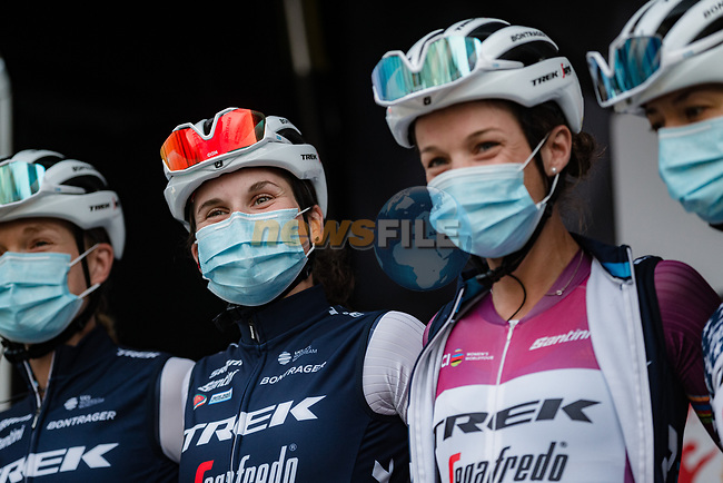 Elisa Longo Borghini (ITA) and Elizabeth Deignan (GBR) Trek-Segafredo Women at sign on before La Fleche Wallonne Femmes 2020, running 124km from Huy to Mur de Huy, Belgium. 30th September 2020.<br /> Picture: ASO/Thomas Maheux | Cyclefile<br /> All photos usage must carry mandatory copyright credit (© Cyclefile | ASO/Thomas Maheux)