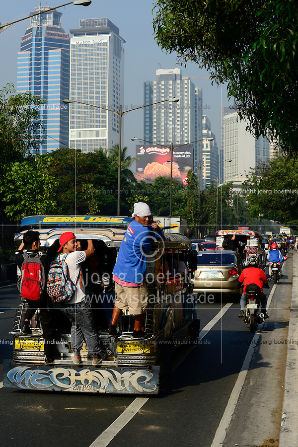 PHILIPPINES, Manila, traffic in Pasig City, jeepney used for public transport / PHILIPPINEN, Manila, Verkehr in Pasig City, Jeepney