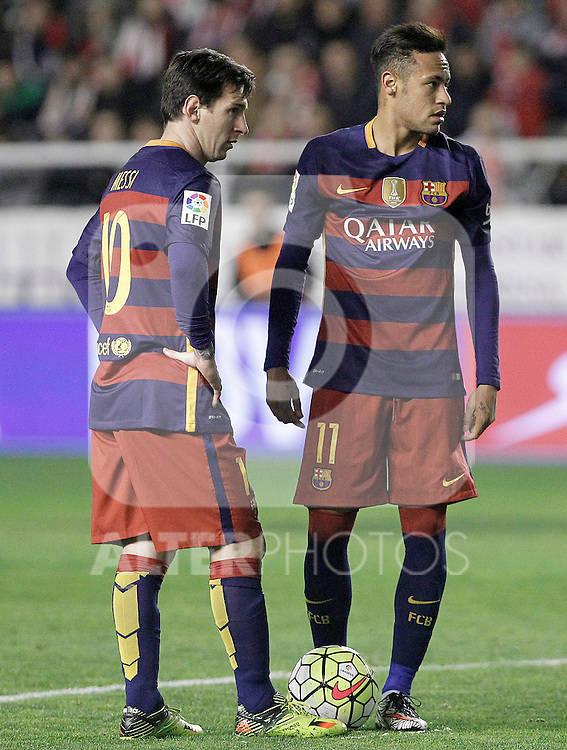 FC Barcelona's Leo Messi (l) and Neymar Jr during La Liga match. March 3,2016. (ALTERPHOTOS/Acero)