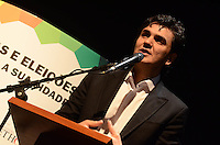 SAO PAULO, 01 DE AGOSTO DE 2012 - ELEICOES 2012 - candidato Gabriel Chalita  durante campanha Copa, Olimpiadas, Eleicoes - Qual o legado para sua cidade, na manha desta quarta feira, no auditorio do sesc Consolacao, regiao central da capital. FOTO: ALEXANDRE MOREIRA - BRAZIL PHOTO PRESS