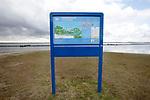 Foto: VidiPhoto<br /> <br /> OUDDORP - In de baai achter vakantiepark Port Zélande en naast een tiental recreatiewoningen, wordt in juni een onderwaterbos, Tiny Seaforest, aangelegd. In het bos wordt geëxperimeerd met diverse soorten onderwaterbegroeiingen, die later op grotere schaal toegepast kunnen worden in de rest van het 14.000 vierkante meter grote Natura 2000-gebied, de Grevelingen. De Grevelingen is het grootste zoutwatermeer van Europa tussen het Zuid-Hollandse Goeree-Overflakkee en het Zeeuwse Schouwen-Duiveland. Boswachter Piet van Loon van Staatsbosbeheer wordt de eerste onderwaterboswachter van Nederland.