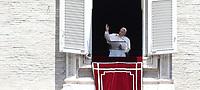 Papa Francesco recita l'Angelus domenicale affacciato su piazza San Pietro dalla finestra del suo studio. Citta' del Vaticano, luglio 14, 2019.<br /> Pope Francis recites the Sunday Angelus noon prayer from the window of his studio overlooking Saint Peter's Square, at the Vatican, on July 14, 2019.<br /> UPDATE IMAGES PRESS/Isabella Bonotto<br /> <br /> STRICTLY ONLY FOR EDITORIAL USE