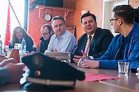 """Innensenator besucht Falken-Neukoelln.<br /> Innensenator Andreas Geisel besuchte am Freitag den 27. Januar 2017 das Anton-Schmaus-Haus der Jugendorganisation """"Falken"""". Das Anton-Schmaus-Haus wurde in der Vergangenheit mehrfach Ziel von Brandanschlaegen durch Rechte. Mitarbeiter des Anton-Schmaus-Haus und Mitglieder der Falken wurden immer wieder Opfer von Attacken durch Rechte bis hin zu Brandanschlaegen gegen Privatautos.<br /> Im Bild vlnr.: Andrew Walde, Koordinator Bollwerk gegen Nazis und Mitglied der Falken; Innensenator Andreas Geisel; Tim Haverland, Vorsitzender des Kreisverbandes Neukoelln der Falken.<br /> 27.1.2017, Berlin<br /> Copyright: Christian-Ditsch.de<br /> [Inhaltsveraendernde Manipulation des Fotos nur nach ausdruecklicher Genehmigung des Fotografen. Vereinbarungen ueber Abtretung von Persoenlichkeitsrechten/Model Release der abgebildeten Person/Personen liegen nicht vor. NO MODEL RELEASE! Nur fuer Redaktionelle Zwecke. Don't publish without copyright Christian-Ditsch.de, Veroeffentlichung nur mit Fotografennennung, sowie gegen Honorar, MwSt. und Beleg. Konto: I N G - D i B a, IBAN DE58500105175400192269, BIC INGDDEFFXXX, Kontakt: post@christian-ditsch.de<br /> Bei der Bearbeitung der Dateiinformationen darf die Urheberkennzeichnung in den EXIF- und  IPTC-Daten nicht entfernt werden, diese sind in digitalen Medien nach §95c UrhG rechtlich geschuetzt. Der Urhebervermerk wird gemaess §13 UrhG verlangt.]"""