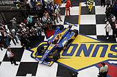 Alexander Rossi, Andretti Autosport Honda pulls into victory lane