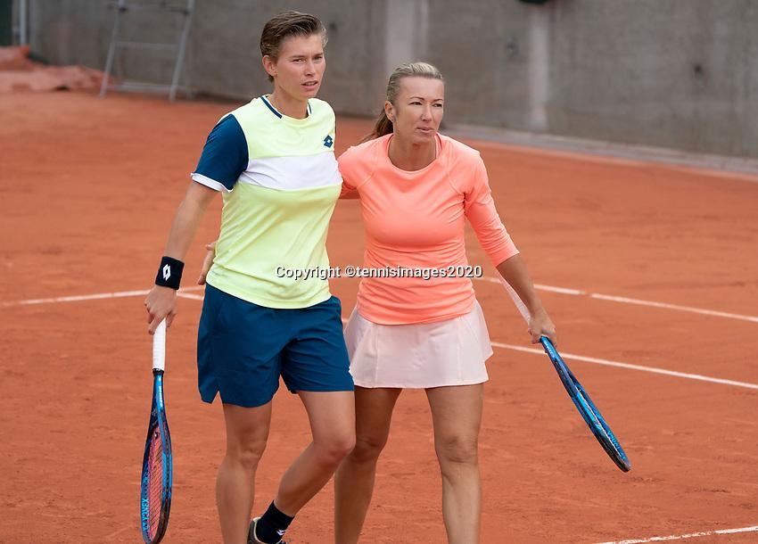 Paris, France, 02 ,10,  2020, Tennis, French Open, Roland Garros, Women's doubles: Demi Schuurs (NED) (L) and Kveta Peschke (CZE)<br /> Photo: Susan Mullane/tennisimages.com