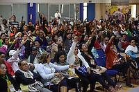 """BOGOTÁ -COLOMBIA. 11-10-2014. Participantes escuchan las intervenciones de las delegaciones durante la segunda jornada del Encuentro por la """"Dignidad de las Víctimas del Genocidio contra La UP"""" realizado hoy, 11 de octuber de 2014, en la ciudad de Bogotá./ Participant listen to the speeches of the delegations during the Second day of the Meeting for the """"Dignity of Victims of Genocide against The UP"""" took place today, October 10 2014, at Bogota city. Photo: Reiniciar /VizzorImage/ Gabriel Aponte"""