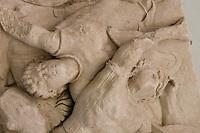 Germania Berlino 2007  Pergamon Museum .ll famoso Altare di Zeus di Pergamo, arte ellenistica, regno di re Eumene II (197-158 a.C.) e, in seguito alla sua morte, continuata dal successore e fratello Attalo II Il fregio di Telefo