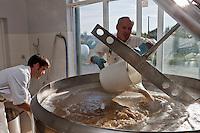 Europe/France/Poitou-Charentes/17/Charente-Maritime/Ile de Ré: Arnaud Roy , Brasseur, Brasserie Artisanale: Bières de Ré