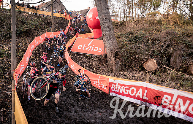 70 riders at the man's start<br /> <br /> Jaarmarktcross Niel (BEL) 2020<br /> Men's Race<br />  <br /> ©kramon