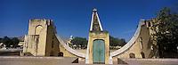 Asie/Inde/Rajasthan/Jaipur: L'observatoire  de Jaïpur  -Yantra Mandir ou Jantar Mantarconstruit en 1727 et ses instruments astronomiques géants