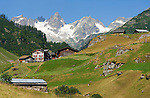 Switzerland, Canton Uri, Fernigen: small village at Sustenpass Road - Fuenffingerstock mountains with peaks Wendenhorn und Wasenhorn