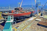 Estaleiro da industria naval Ishibras. Rio de Janeiro. 1985. Foto de Salomon Cytrynowicz.