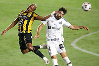 Santos (SP), 04.05.2021 - Santos-The Strongest - O jogador Luan Peres. Partida entre Santos e The Strongest valida pela fase de grupos da Libertadores da América nesta terça (4) no estadio da Vila Belmiro em Santos.