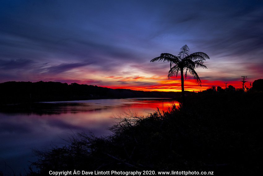 Sunset over Manawatu River in Foxton, New Zealand on Wednesday, 13 May 2020. Photo: Dave Lintott / lintottphoto.co.nz