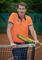 May18, 2017, Netherlands, Almere, Centerpoint Tennis Center, New Sjeng Schalken Tennis outfits for KNLTB staff, Paul Haarhuis<br /> Photo: Tennisimages/Henk Koster