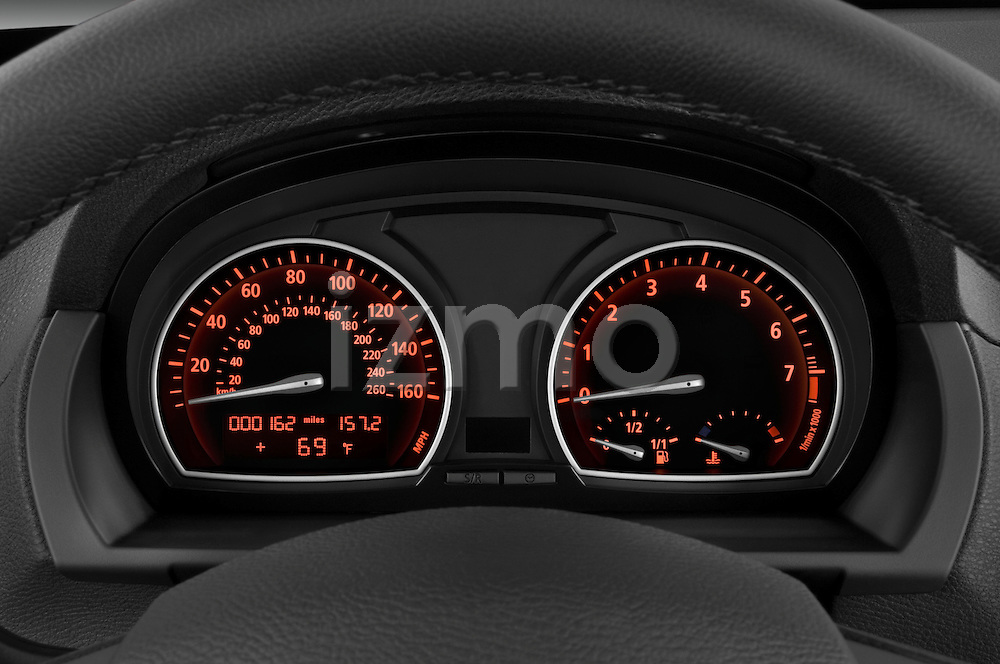 Instrument panel close up detail view of a 2008 BMW X3
