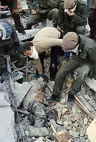 - terremoto in Irpinia (novembre 1980), recupero delle vittime dalle macerie a Sant'Angelo dei Lombardi<br /> <br /> - earthquake in Irpinia (November 1980), recovery of victims from wreckages in Sant'Angelo dei Lombardi